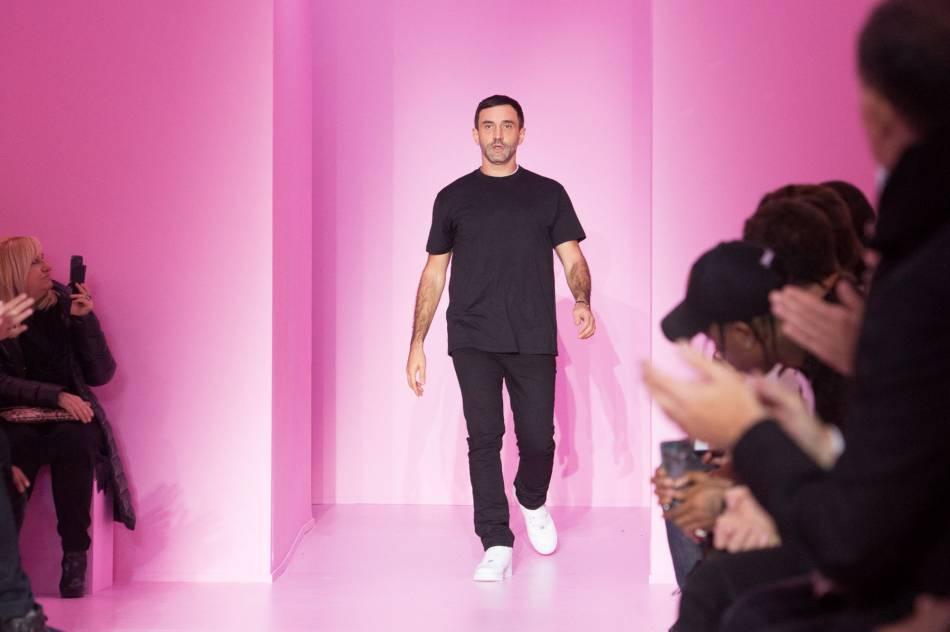 """Riccardo Tisci élu """"agitateur mode"""" de l'année par le  Time ."""