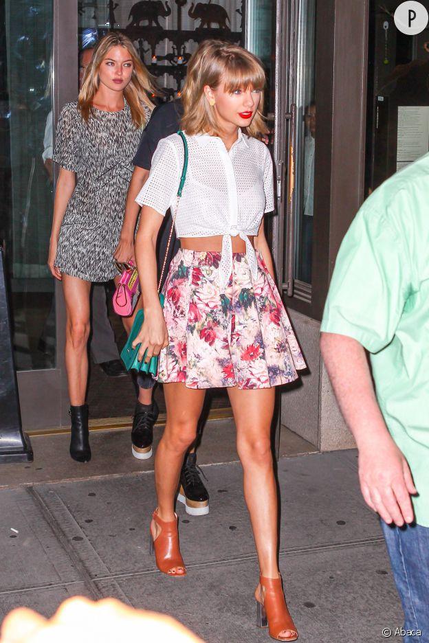 Parfait look d'été incarné par Taylor Swift.