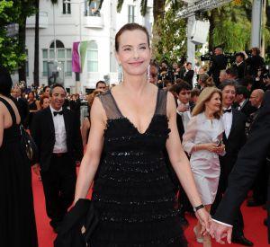 Carole Bouquet foule le tapis de la 67e édition du Festival de Cannes.