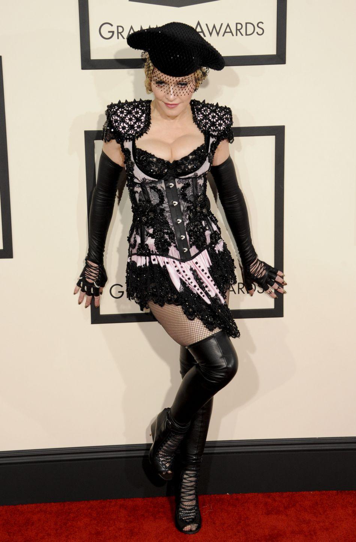Entre visites touristiques et folles soirées, Madonna s'éclate.