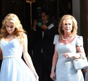 Sa soeur aînée, Paris Hilton, était sa demoiselle d'honneur.