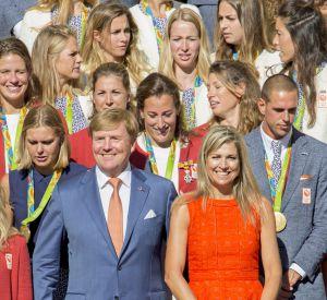 Dans sa robe orange, Maxima fait de l'effet.