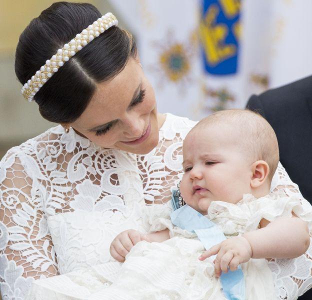 Le prince Alexander de Suède a été baptisé ce vendredi 9 septembre 2016 en l'église du château de Drottninholm.
