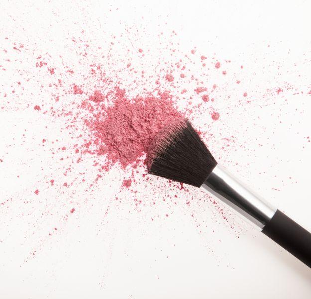 Mauvaise couleur, mauvais pinceaux... On a toutes fait des erreurs avec le blush.