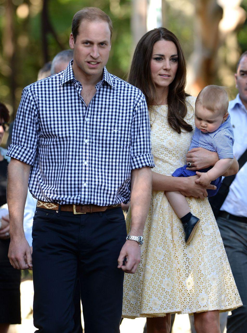 Kate Middleton et le prince William sont déjà partie une fois en voyage officiel avec George, en Australie et Nouvelle-Zélande, en 2014.
