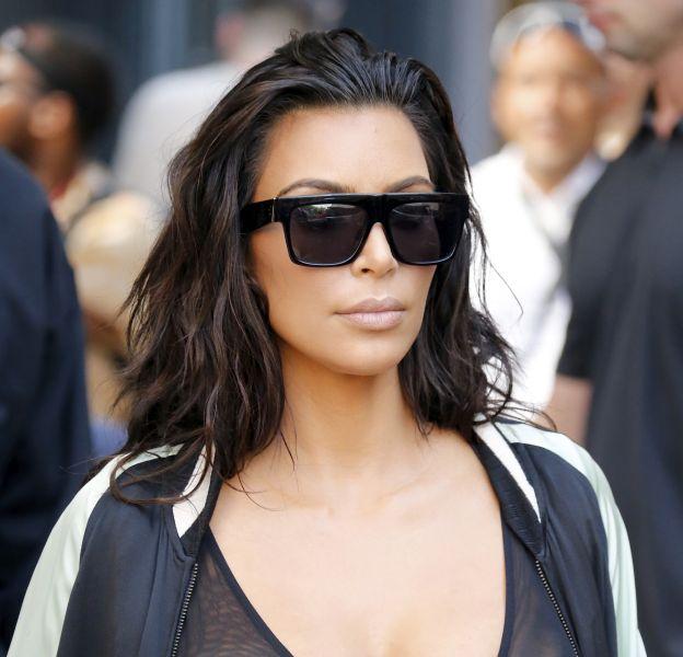 Kim Kardashian se la joue sexy en couverture du magazine Wonderland.