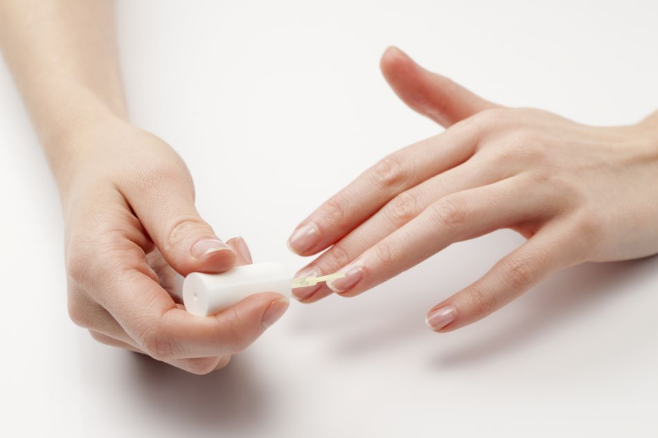 5 Astuces Pour Blanchir Ses Ongles Puretrend