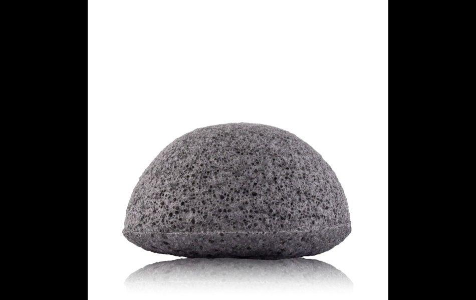 Eponge Konjac charbon, 11,99€.