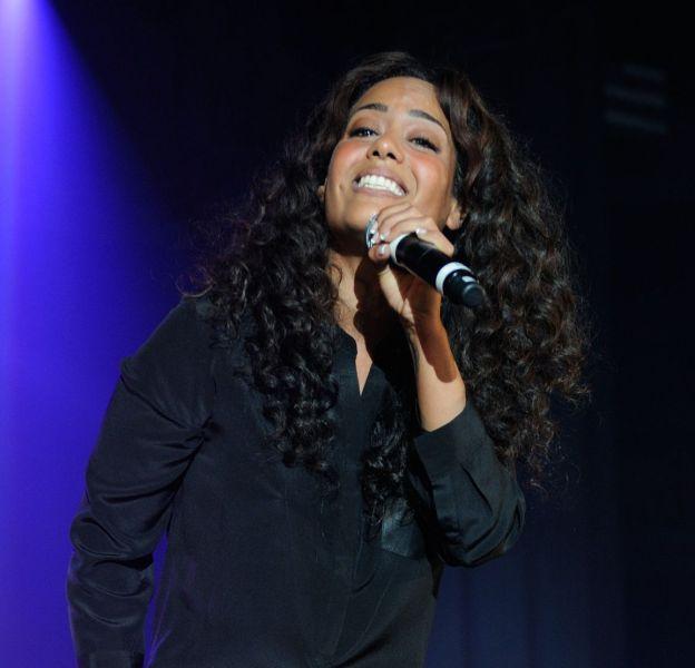 Amel Bent s'affiche toujours plus mince sur les réseaux sociaux, elle prépare son grand retour en musique depuis quelques semaines.