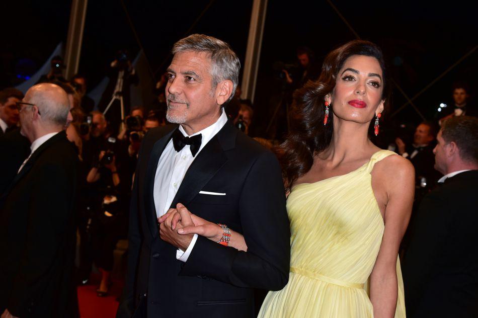 Amal Clooney a fait un vrai défilé de tenues dans les rues de New York.