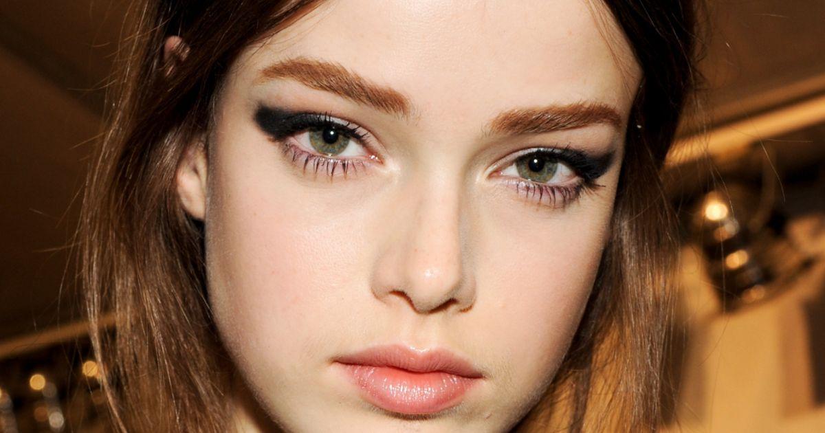 maquillage des yeux quelles couleurs pour une soir e puretrend. Black Bedroom Furniture Sets. Home Design Ideas