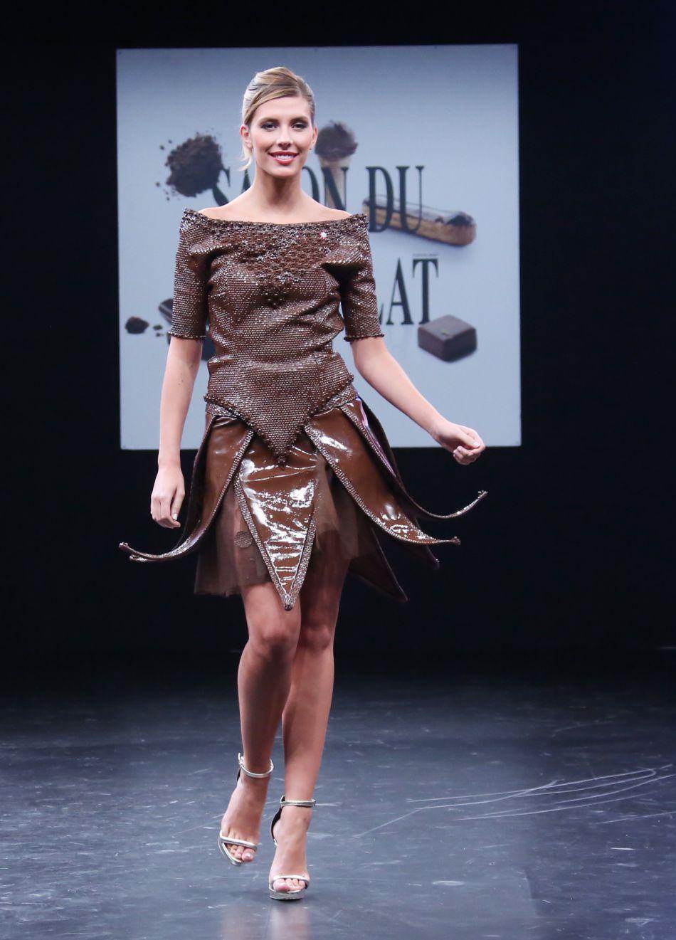 Celle qui a été élue Miss France 2015 a passé un été exotique entre Thaïlande et Népal.