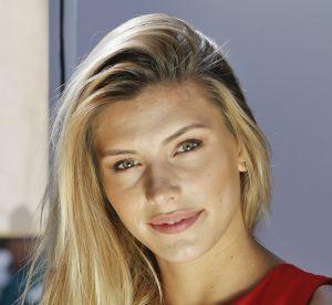 Camille Cerf : au naturel, l'ex-Miss se prélasse au bord d'une piscine