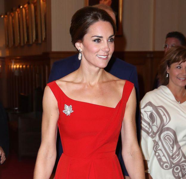 Kate Middleton a misé sur une robe rétro pour une soirée de gala.