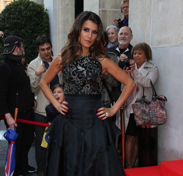 """Karine Ferri fait planer le doute sur l'identité de son partenaire pour """"Danse avec les stars""""."""