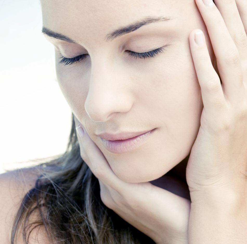 routine matinale 5 gestes pour avoir une belle peau au quotidien puretrend. Black Bedroom Furniture Sets. Home Design Ideas