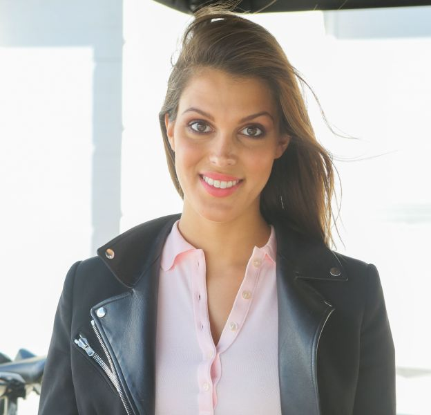 Iris Mittenaere illumine la Fashion Week.