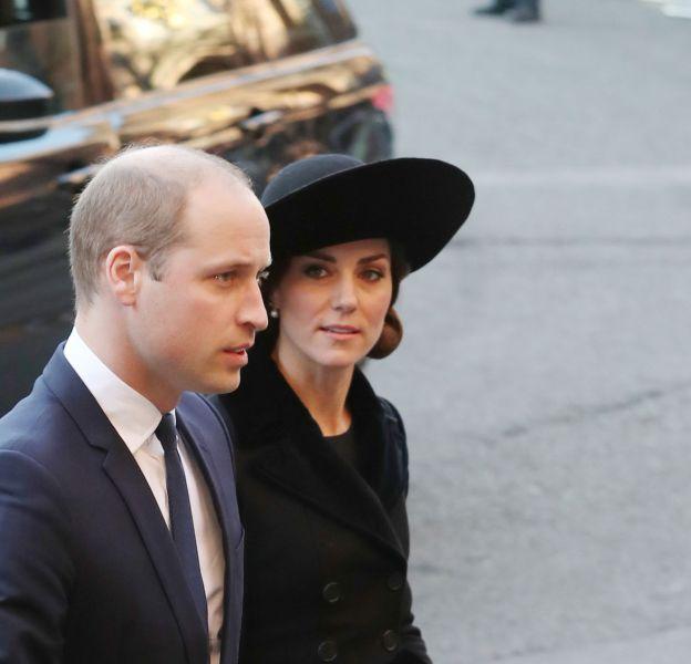 Kate Middleton et le prince William assistent à la messe en hommage au duc de Westminster ce lundi 28 novembre 2016.