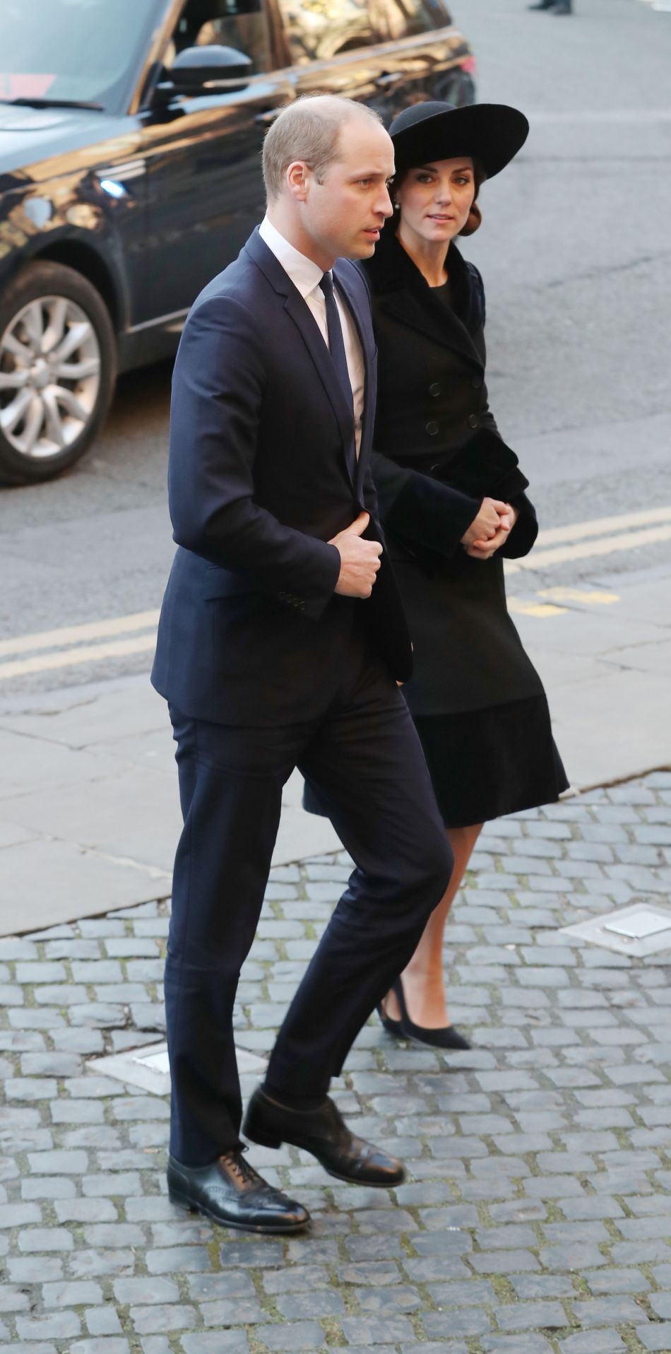 Kate Middleton et le prince William assistent à la messe en hommage au duc de Westminster ce lundi 28 novembre 2016.