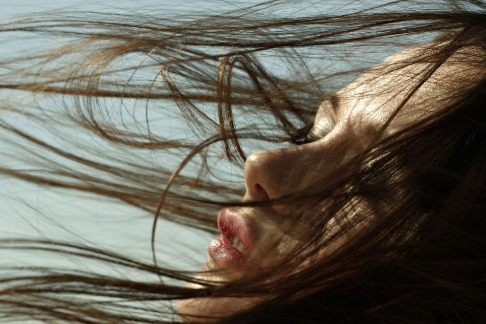 3 conseils pour bien entretenir ses cheveux bruns.