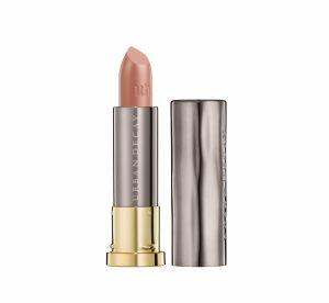Maquillage : quelles couleurs pour mettre en valeur les lèvres fines ?