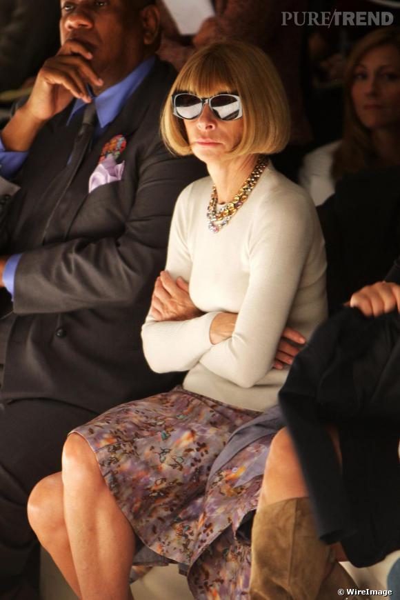 Anna Wintour ne quitte pas ses lunettes noires