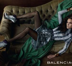 Jennifer Connelly reprend la pose pour Balenciaga