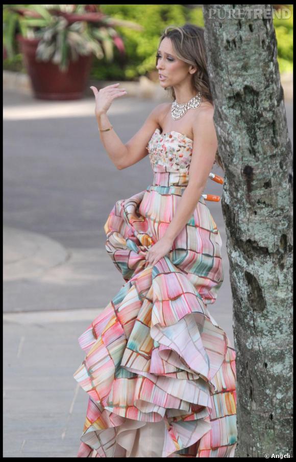 [people=2462]Jennifer Love Hewitt[/people] en robe Angel Sanchez