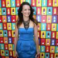 Kristin Davis a bien compris que le bleu électrique se suffit à lui même. L'actrice star de  Sex and The City  assortit sa robe bustier des peep-toes noirs de chez  [brand=4294782169] Christian Louboutin [/brand]  et d'un collier plastron.