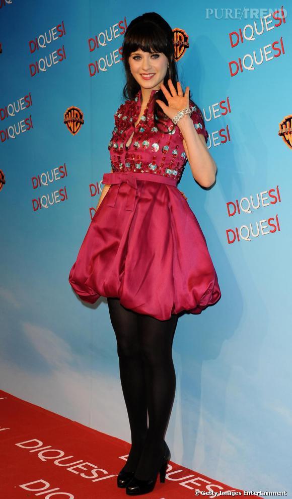 Adepte de la petite robe rétro, Zooey a l'art pour la porter avec glamour et élégance