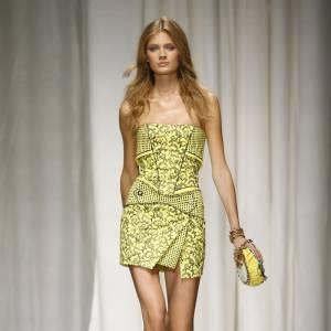 Défilé Versace - Constance Jablonski - Milan Printemps Eté 2010