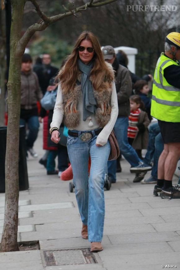 Elle Macpherson dans les rues de Londres