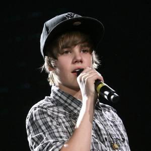 Accessoire indispensable au look de Justin : sa casquette de camionneur
