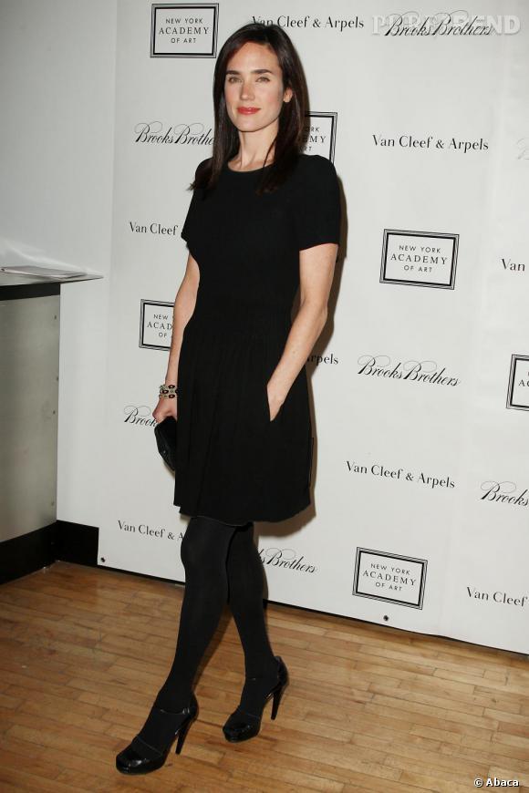 Jennifer Connelly se réfugie dans une valeur sûre : la petite robe noire.