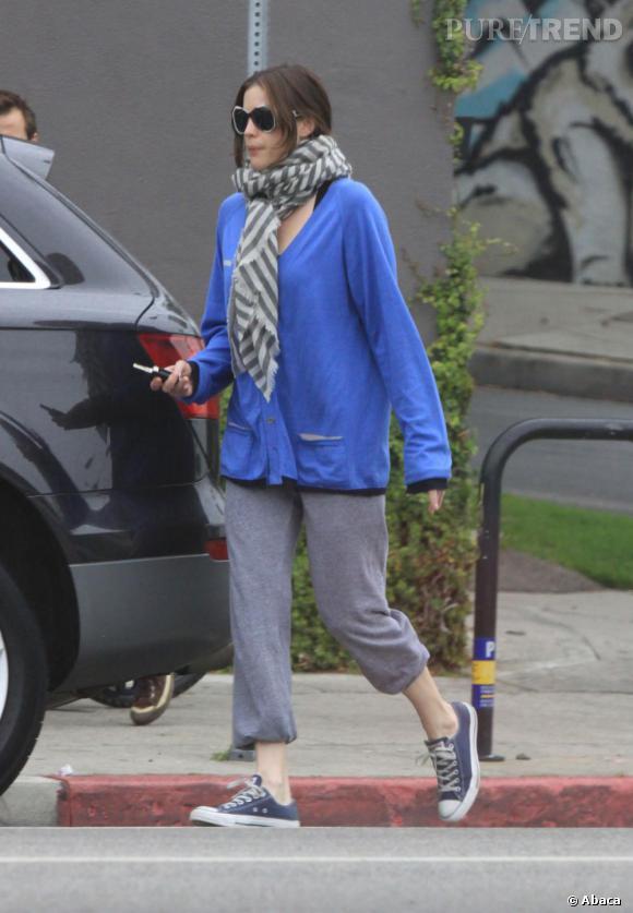 Liv Tyler en tenue de sport très décontractée.