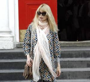 Claudia Schiffer : son look de femme enceinte stylée à shopper !