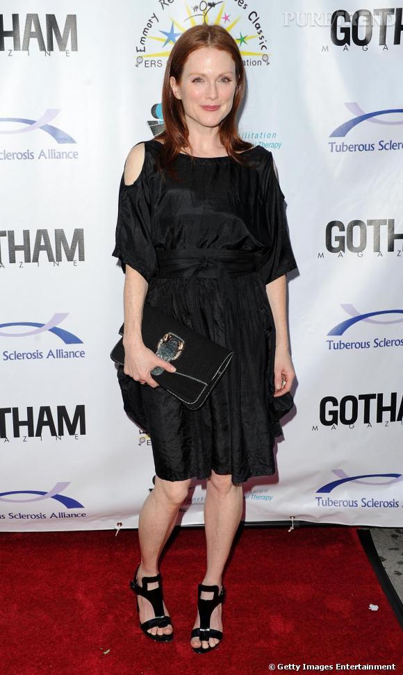 Très glamour Julianne Moore, n'en laisse pourtant rien paraître. Dommage.