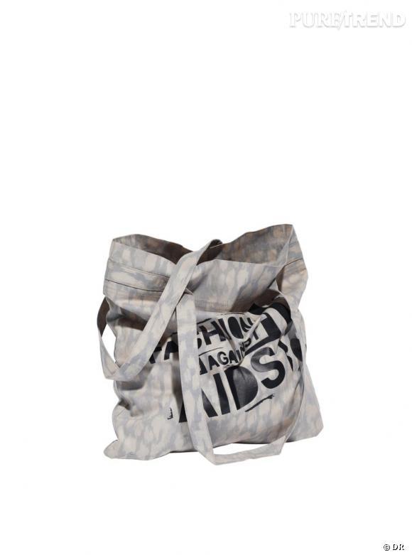 Un sac en toile       Une festivalière, une vraie, ne s'encombre pas d'un It-bag en cuir, et préfère un sac en toile bien plus pratique et léger.    Prix :  2.95€