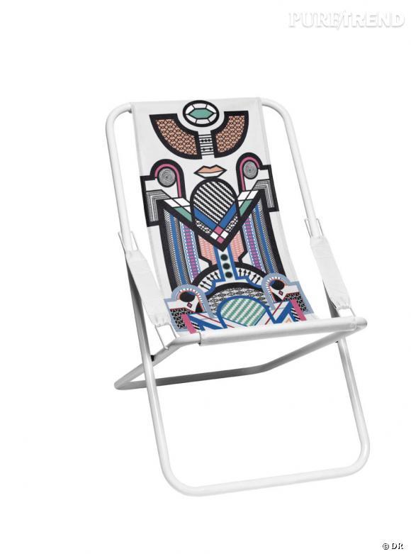Une chaise pliante hype       Une festivalière, une vraie, sait bien que de rester continuellement debout n'est pas vivable. Une chaise pliante l'accompagne donc toute journée.    Prix :  9.95€