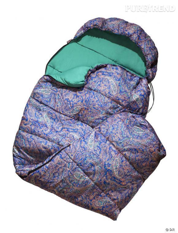 Un sac de couchage hype       Une festivalière, une vraie, assortit son sac de couchage à sa tente. C'est aussi une question de principe.    Prix :  14.95€