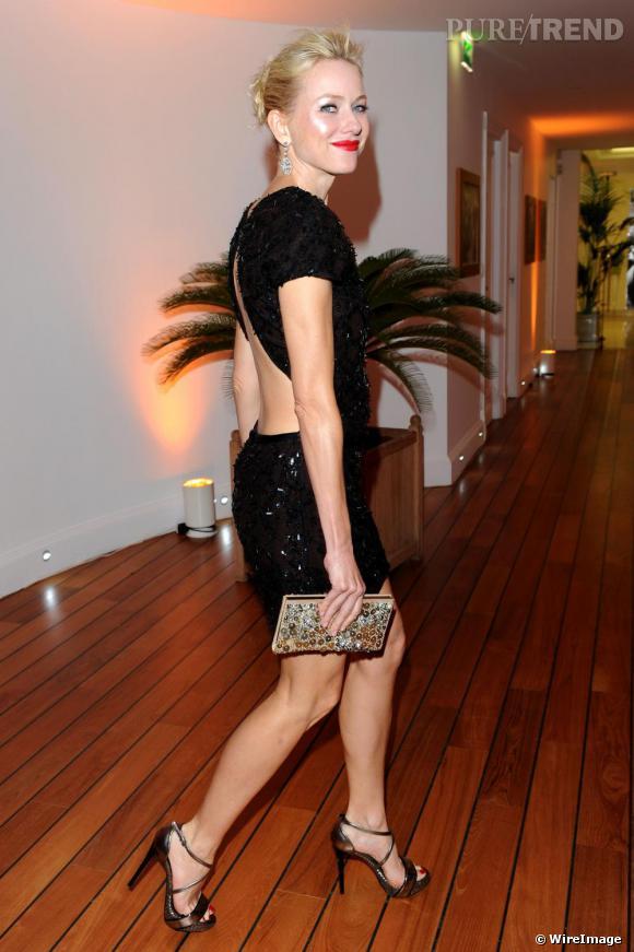 Toujours très sensuelle, Naomi Watts enchaîne les tenues Gucci lors du festival de Cannes.