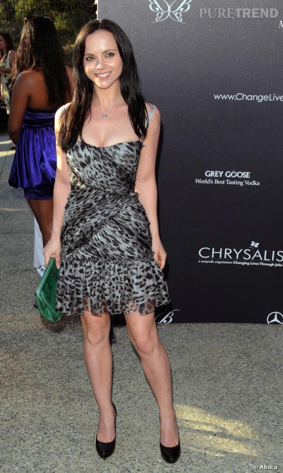 Christina Ricci en robe à imprimé léopard