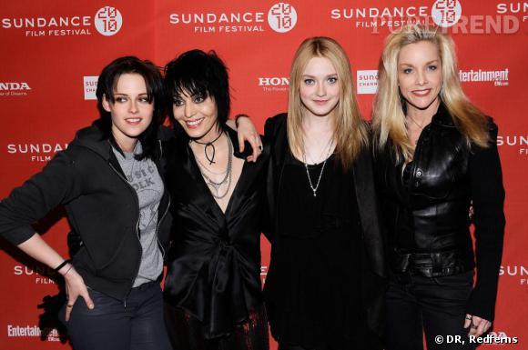Kristen Stewart, Joan Jet, Dakota Fanning et Cherie Currie à la première de The Runaways au festival Sundace, dress code : noir et cuir.