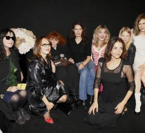 Carole Laure, Nathalie Baye, Sonia Rykiel, Bambou, Julie Depardieu, Mélanie Thierry, Maire-Josée Croze et Nathalie Rykiel au défilé Rykiel.