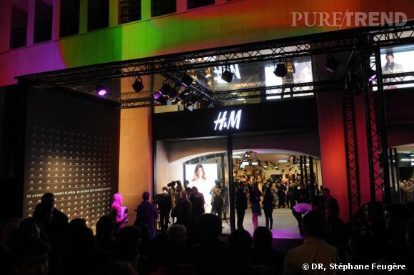 Le nouvel H&M des Champs-Elysées à Paris.