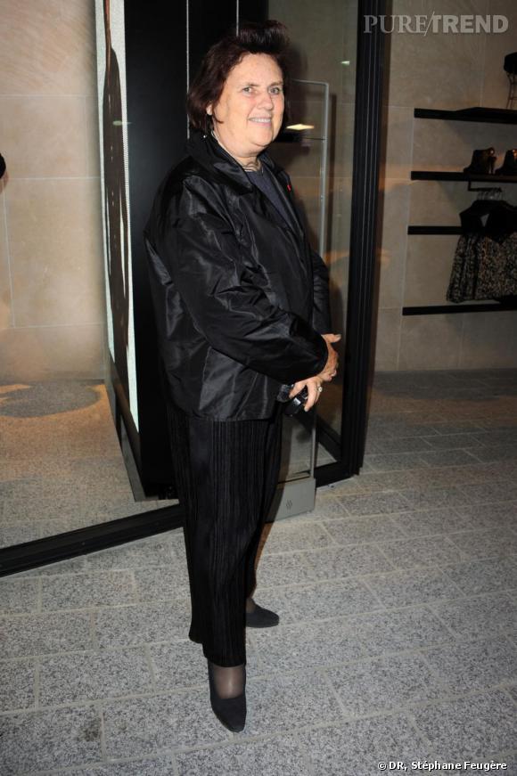 Suzy Menkes inaugure le nouvel H&M des Champs-Elysées à Paris.