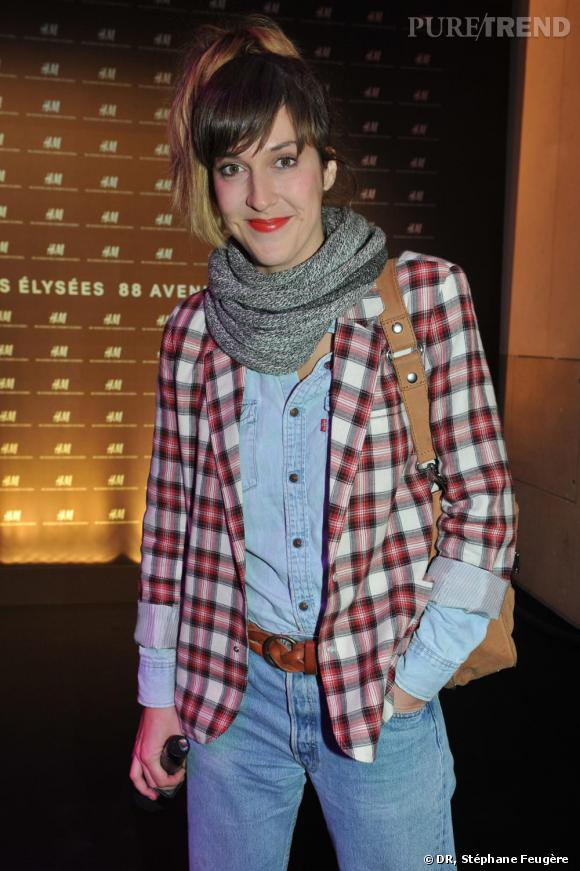 Daphné Burki inaugure le nouvel H&M des Champs-Elysées à Paris.