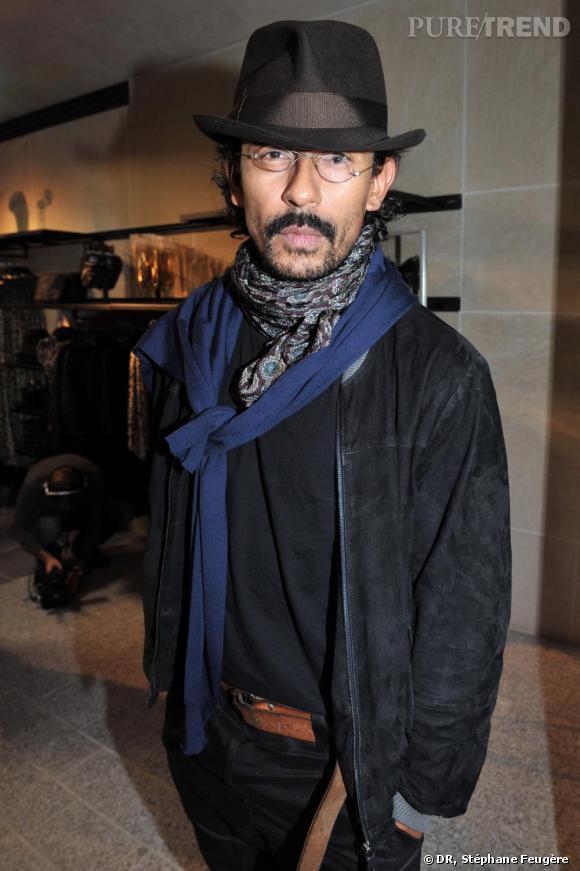 Haider Ackermann inaugure le nouvel H&M des Champs-Elysées à Paris.