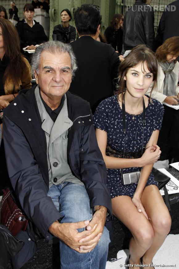 Patrick Demarchelier et Alexa Chung attendent le défilé Chanel.