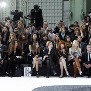 Lou Doillon, Rachel Bilson, Cecile Cassel, Florence Welch et Claudia Schiffer au défilé Chanel.